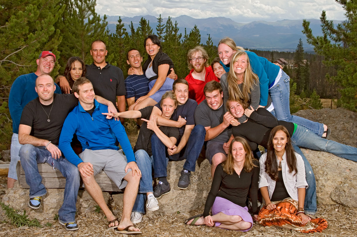 Photos By Dill Photographers Are Trained To Give You Professional Family Portrait Posing